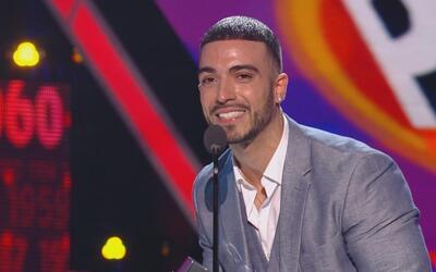 Luis Figueroa se lleva el premio al mejor cover por 'Flor Pálida' en Pre...