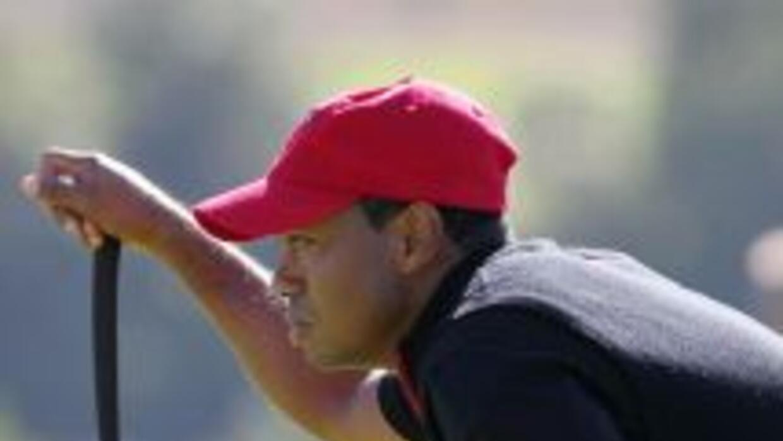 Durante la Copa Ryder Tiger Woods mostró una figura solitaria tras su pr...