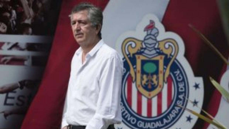 El dueño de Chivas se preocupa más por comercializar a su equipo que por...