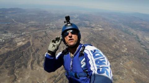 Saltará desde 25,000 pies de altura sin paracaídas.