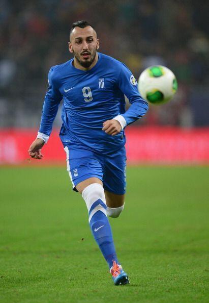 Konstantinos Mitroglou.- Anotó tres de los cuatro goles de su sel...
