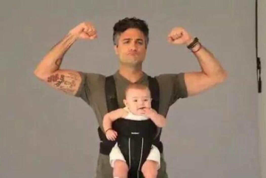 El 25 de octubre del 2011 nació su hija Elena Camil Balvanera.