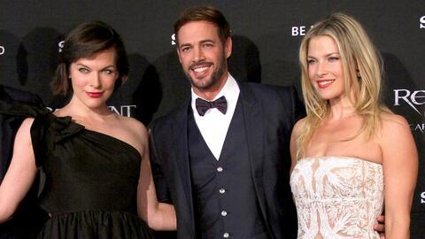 William Levy llegó a México muy bien acompañado de dos guapas a estrenar...