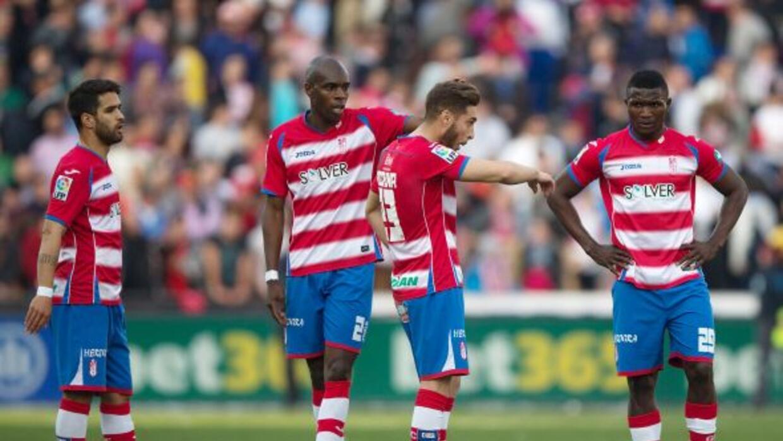 El Granada se aferra a Primera venciendo al Málaga con un autogol.