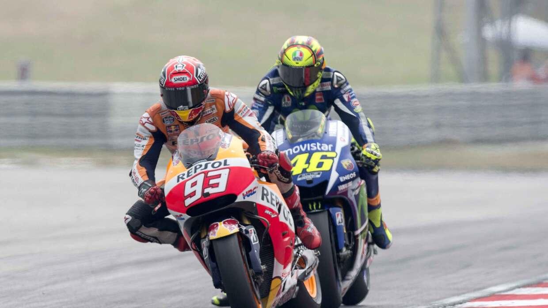 Rossi, con una patada, tiró a Marc Márquez