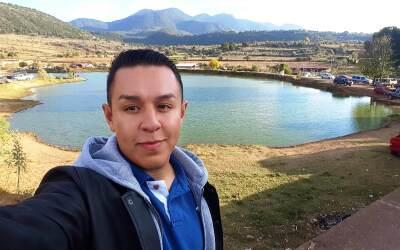 Iván Ceja durante su viaje a Michoacán, México.
