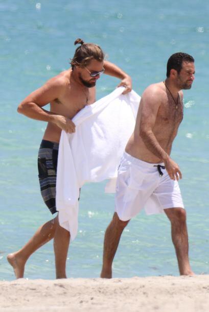 El cuerpo torneado que presumía Leo ha quedado atrás. El actor fue visto...