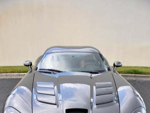 Uno de los modelos más atractivos de Dodge es el Viper SRT 10.