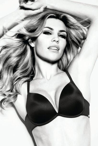 La inglesa, esposa del delantero Stoke City, es una de las modelos más r...