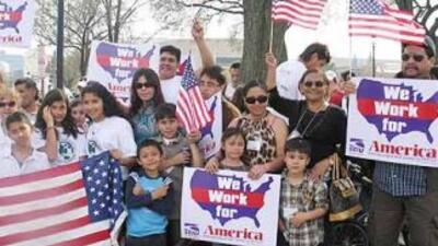 La medida anunciada permitiría a cónyuges, hijos y padres de ciudadanos...