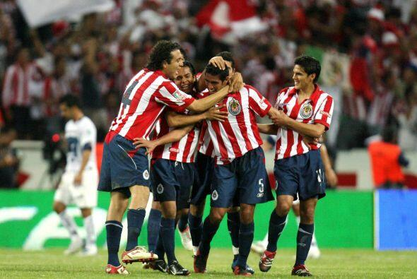 La rivalidad volvería a calentarse tras una goleada de Chivas como local...