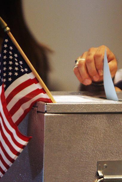 - Si su nombre no aparece en la lista de votantes y está registra...