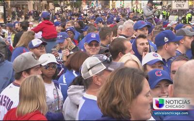 Fanáticos viven la euforia del campeonato de los Cubs