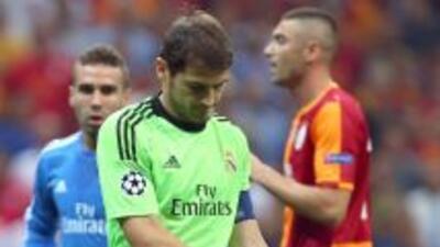 El portero español tuvo que salir del campo con sólo 14 minutos disputad...