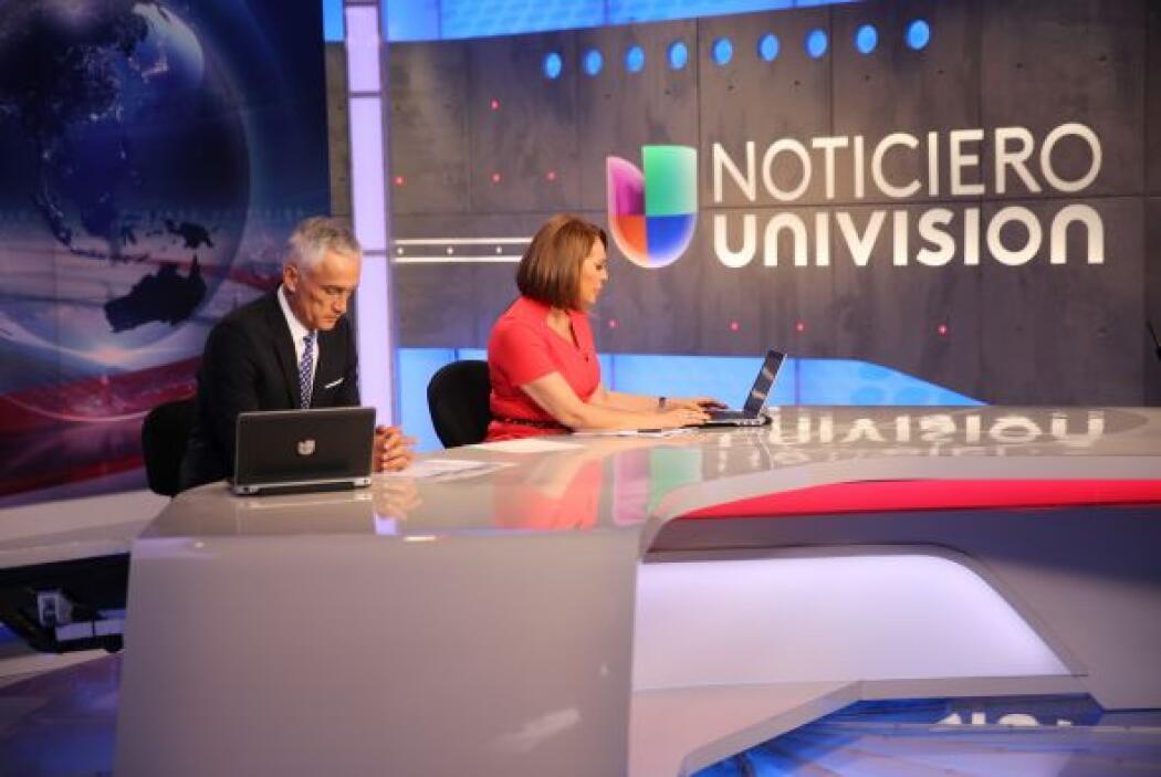Jorge Ramos y Maria Elena Salinas, durante uno de los cortes publicitarios.