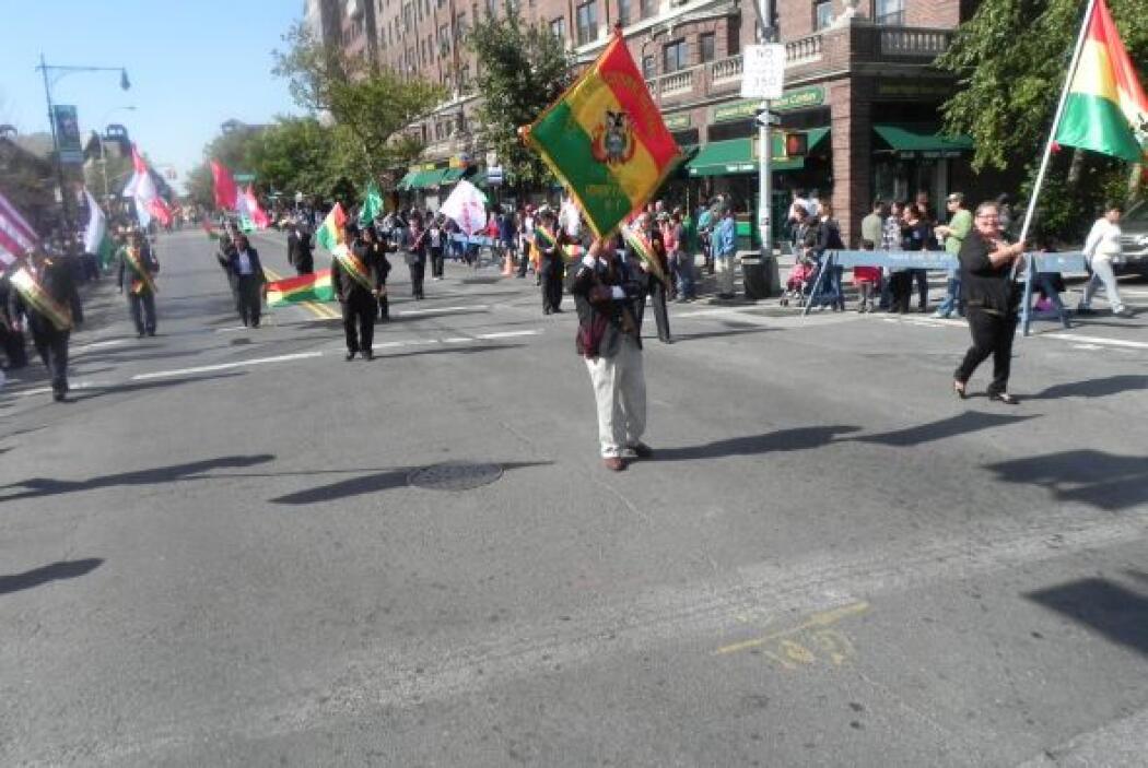 Primer desfile Boliviano de Nueva York f237100997aa48d0920be6ca99b86802.jpg
