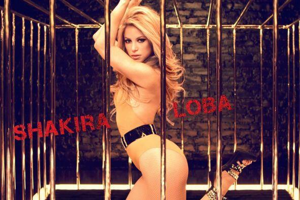 La Loba: Uno de los looks más atrevidos que hemos visto en su carrera a...