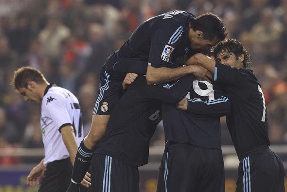 El Real Madrid ganó 3-2, dejó al Valencia atrás en...