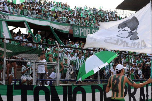 Los aficionados de Atlético Nacional, entre otros homenajes, reco...