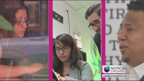 Jóvenes latinos quieren fomentar el interés de los niños hispanos en la...