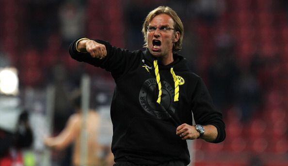 Mientras tanto Jurgen Klopp, el histriónico DT del Dortmund hace...