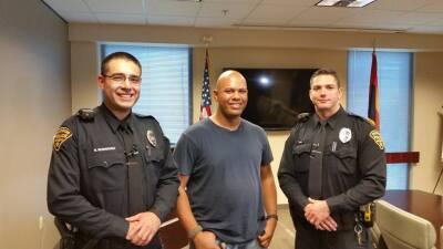 Detienen a un Afroamericano en Tucson y su historia se vuelve viral 1210...