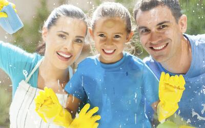 ¿A qué edad debes ponerle tareas del hogar a tus hijos?