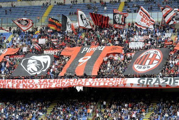 Pero no era el único partido con tintes emocionantes. Milan tambi...