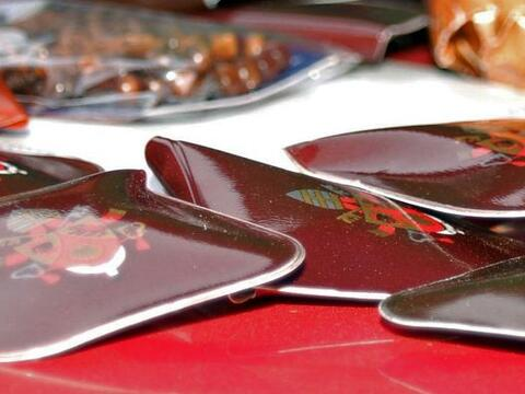 El cardenal chileno Francisco Errázuriz entregó 33 rosarios bendecidos p...