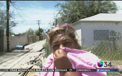Denuncian peste y basura en Compton