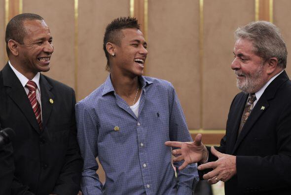Junto al presidente Lula en una invitación del gobierno de Brasil. A los...