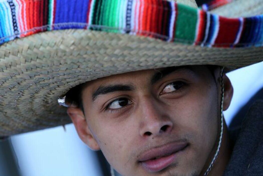 25.6.  La edad promedio de los latinos de descendencia mexicana que resi...