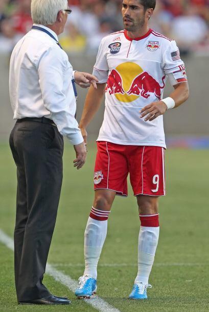 Juan Pablo Angel poco pudo hacer para evitar la derrota de los 'Reds'.