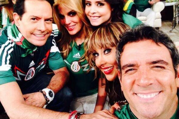 """El equipo de """"Hoy"""" antes del partido. Todo sobre el Mundial de Brasil 2014."""