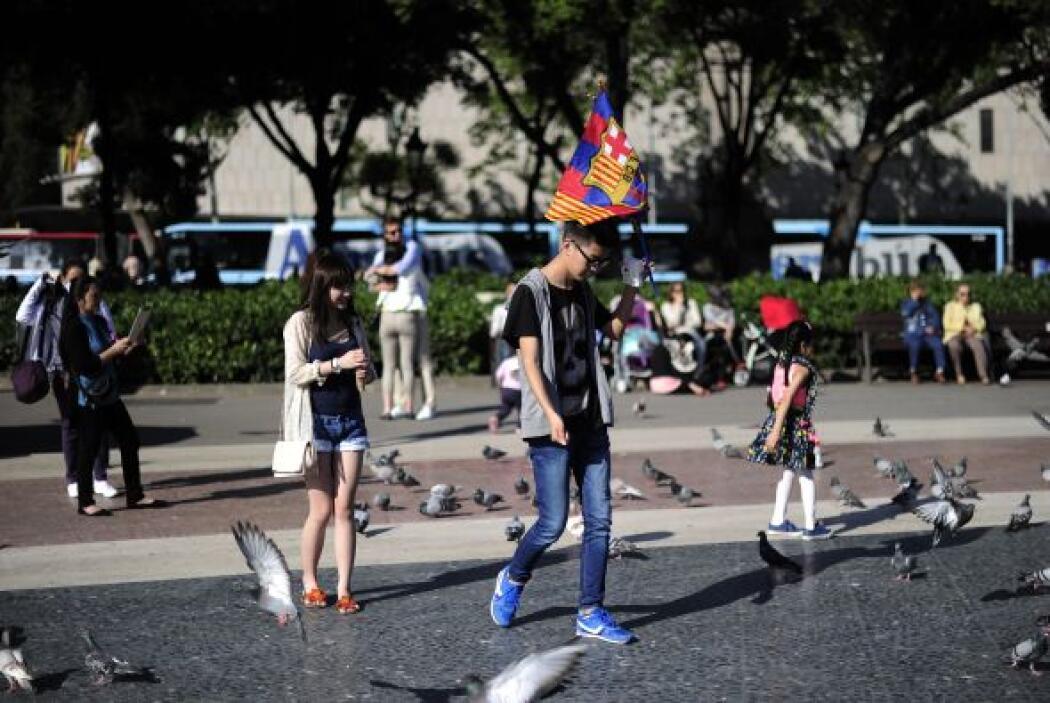Las calles catalanas poco a poco se fueron llenando con fanáticos del cl...