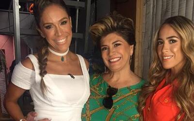 Detrás de cámaras: La mamá y la hermana de Karla llegaron a la fiesta de...