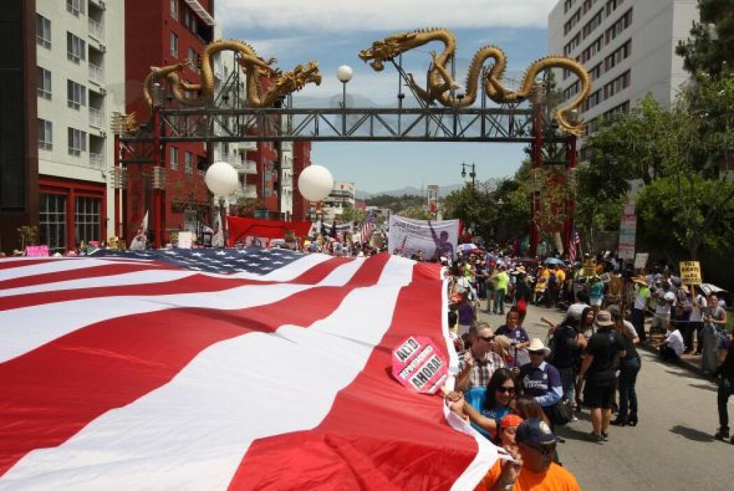Mayo dio inicio con marchas migratorias en LA: Miles de activistas angel...