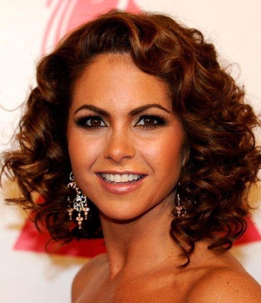 Lucero es una mujer que cada vez se pone más guapa. Nos ha modela...