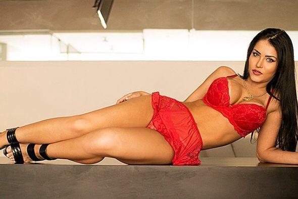 Claudia es una modelo brasileña.