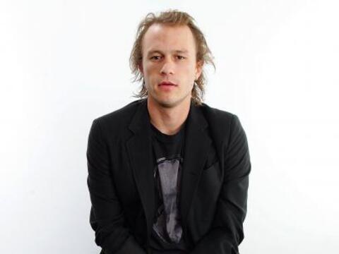 Otro sonado caso fue la terrible muerte de Heath Ledger, quien falleci&o...
