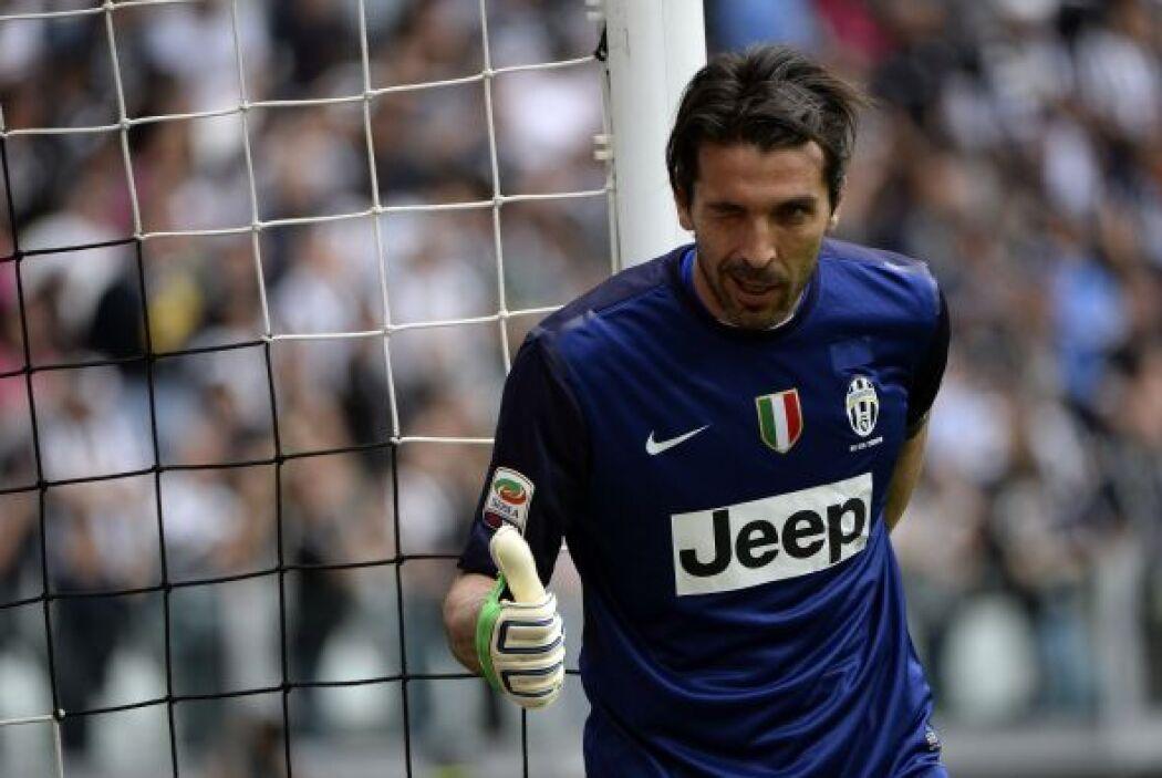 El arquero de la Juventus mantuvo su arco sin goles en el duelo ante el...
