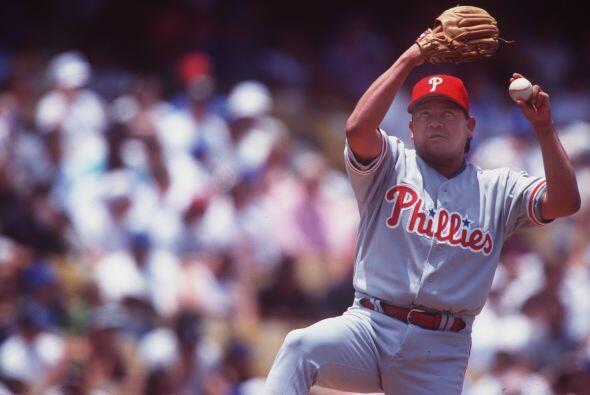 Con los Phillies de Philadelphia, jugó en 1994.