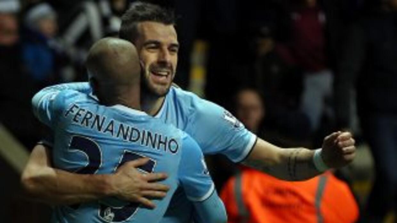 Negredo marcó el segundo gol de los 'Citizens', que ganaron en St. James...
