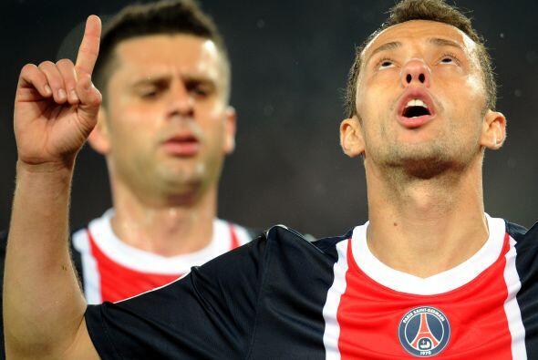 Nene hizo los tres goles con los que el PSG ganó y aún tiene opciones de...