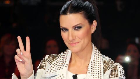 Laura Pausini se une a la fiesta retro de Premios Juventud