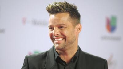 Admiradoras de Ricky Martin no se han cansado de apoyarlo en sus enfrent...