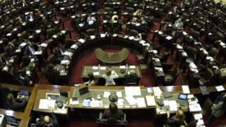 El oficialismo aprobó el jueves la ley que cambio el agente de pago de l...