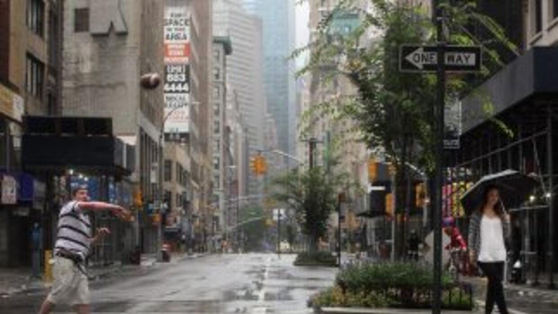 Las principales calles y avenidas de Nueva York quedaron desiertas el sá...