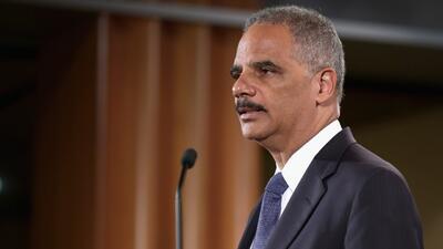 Eric Holder, anuncia plan piloto para contrarrestar el extremismo violen...