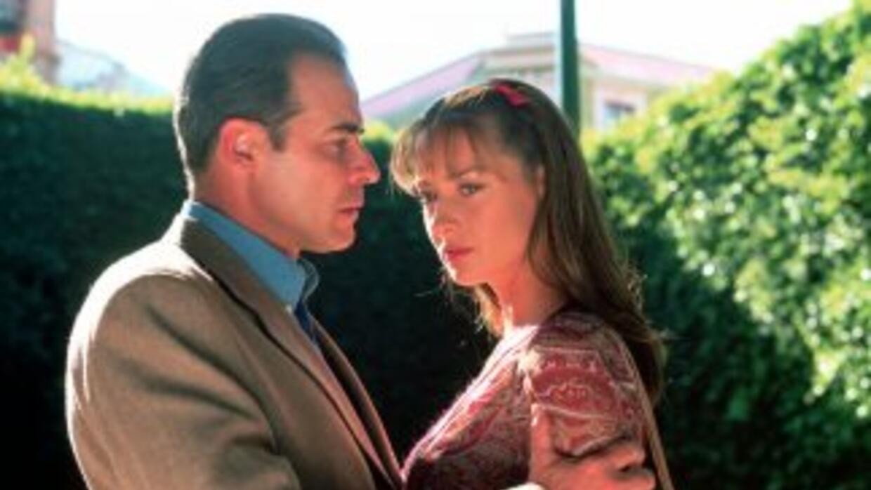 César Évora y Susana González son los se encuentran parados en esa delga...